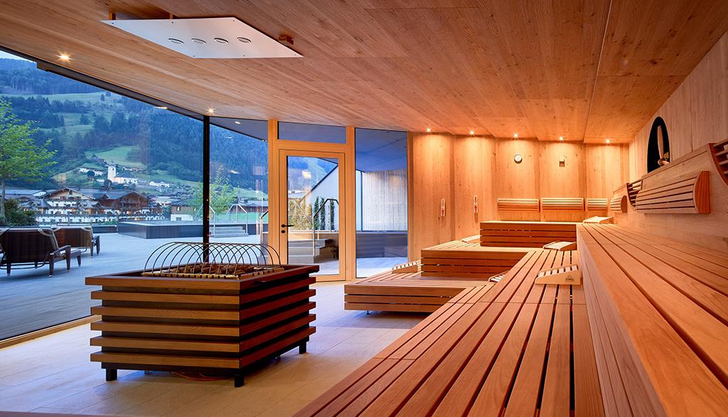 Finnische Sauna im Edelweiss Mountain Resort, Salzburg
